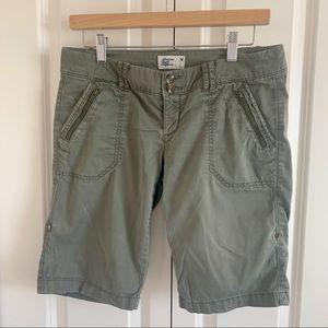 American Eagle Olive Green Bermuda Shorts Size 2